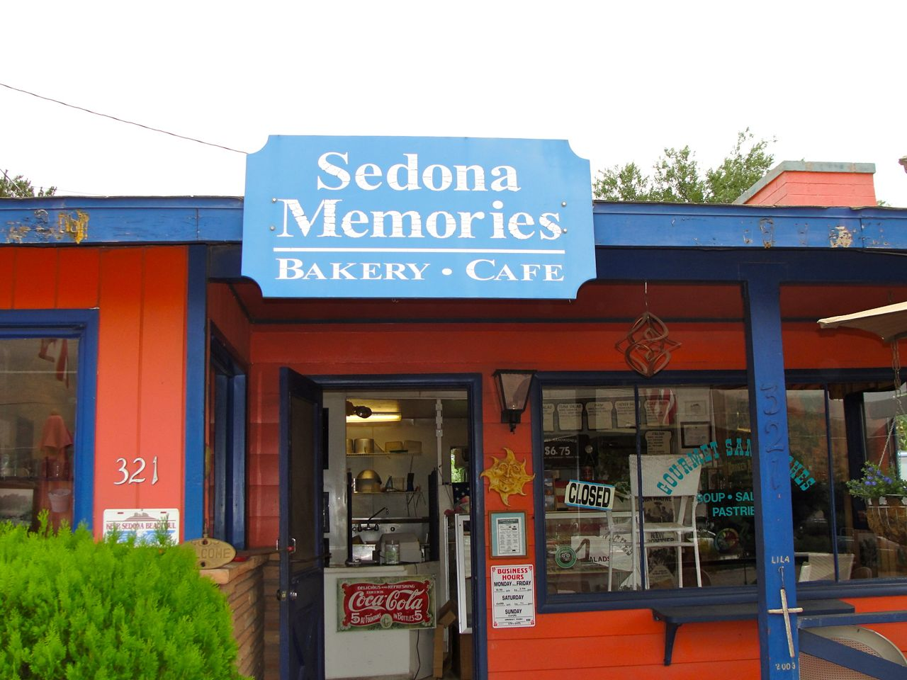 sedona memories is a sandwich shop you will want to remember downtown sedona hotels. Black Bedroom Furniture Sets. Home Design Ideas